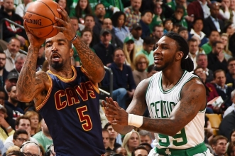 Jae Crowder et Jr Smith