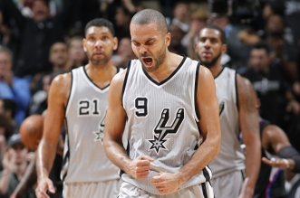 SAN ANTONIO, TX - DECEMBER 18: Tony Parker #9 of the San Antonio Spurs celebrates against the Los Angeles Clippers on December 18, 2015 at the AT&T Center in San Antonio, Texas. NOTE TO USER: User expressly acknowledges and agrees that, by downloading and or using this photograph, user is consenting to the terms and conditions of the Getty Images License Agreement. Mandatory Copyright Notice: Copyright 2014 NBAE (Photos by Chris Covatta/NBAE via Getty Images)
