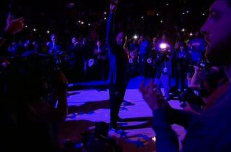 La standing ovation et les highlights de Kobe Bryant pour son dernier match dans sa ville natale