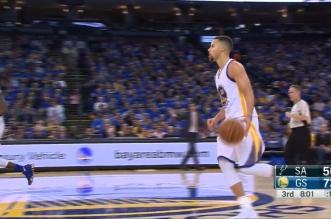 Insolence: Stephen Curry enchaîne deux gros shoots à trois points