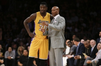 julius randle byron scott