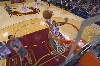 LeBron James contre Derrick Rose sur la planche