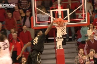 NCAA : Damian Jones emmène Vanderbilt en prolongation sur un dunk au buzzer