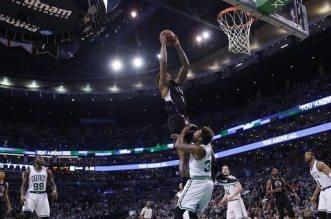 DeAndre Jordan dunk
