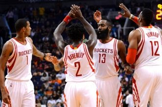 James Harden, Trevor Ariza, Patrick Beverley et Dwight Howard
