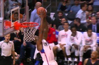 DeAndre Jordan s'offre un alley-oop renversé et un joli tomar sur la défense des Suns