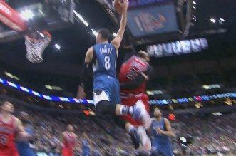 Taj Gibson contre la tentative d'énorme dunk de Zach LaVine