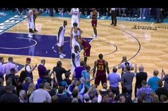 Un fan éjecté pour avoir touché LeBron James