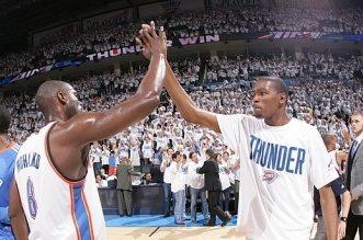 Kevin Durant et Nazr Mohammed