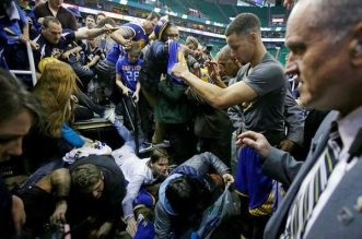 Stephen Curry fans