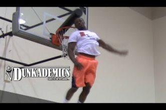 Dunkeur du jour: Daniel Kabeya a une détente hallucinante !