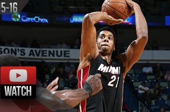 Les highlights d'Hassan Whiteside (24 pts, 14 rebs), Dwyane Wade (25 pts, 7 rebs) et Amar'e Stoudemire (16 pts, 9 rebs)