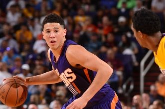 Les highlights du duo Devin Booker (28 pts) – Brandon Knight (25 pts)