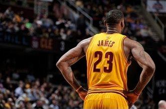 Mix : les meilleurs dunks en carrière de LeBron James