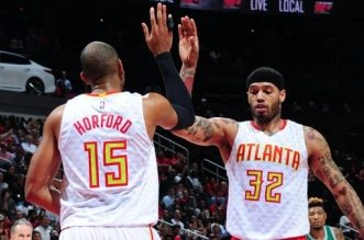Al Horford et Mike Scott