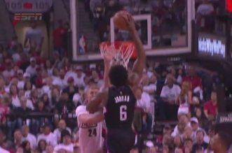 Deandre Jordan dunk 2