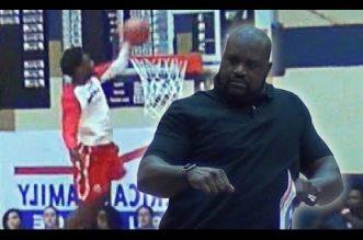 Troy Baxter remporte le concours de dunk High School sous les yeux d'un Shaq en transe