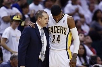 Paul George et Frank Vogel