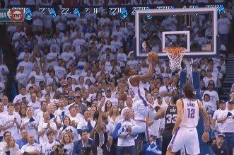 Le superbe alley oop Westbrook – Durant
