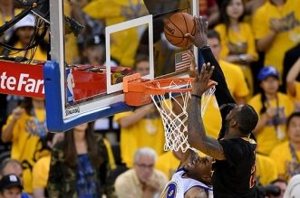 LeBron James contre