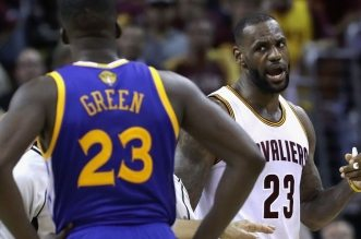 LeBron James et Draymond Green cAvs warriors