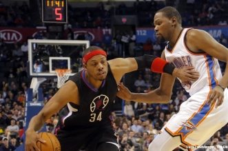 Oklahoma City's Kevin Durant (35) defends on Los Angeles Clippers' Paul Pierce (34) during the NBA basketball game between the Oklahoma City Thunder and the Los Angeles Clippers at Chesapeake Energy Arena on Wednesday, March 9, 2016, in Oklahoma City, Okla. Photo by Chris Landsberger, The Oklahoman