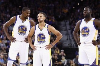 kevin-durant-stephen-curry-et-draymond-green-les-stars-des-warriors-basket-nba_60c58f791e7ff5ae7dabef486d26c39e
