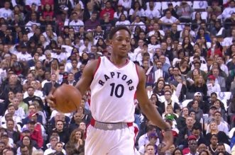Les highlights de DeMar DeRozan (40 pts) et Jonas Valanciunas (32 pts)