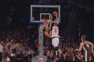Brook Lopez contre la tentative de dunk de Kristaps Porzingis; L'énorme contre sorti de nulle part de Myles Turner