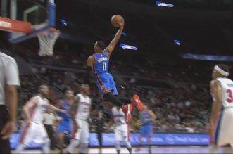 Russell « flying » Westbrook s'envole dans la raquette des Pistons !
