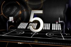 Top 10 CourtCuts: Shoot longue distance, alley-oops, claquettes et game winner
